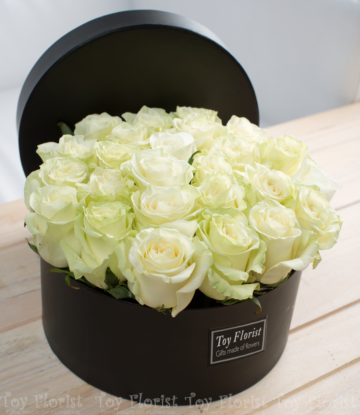 white rose box toy florist. Black Bedroom Furniture Sets. Home Design Ideas